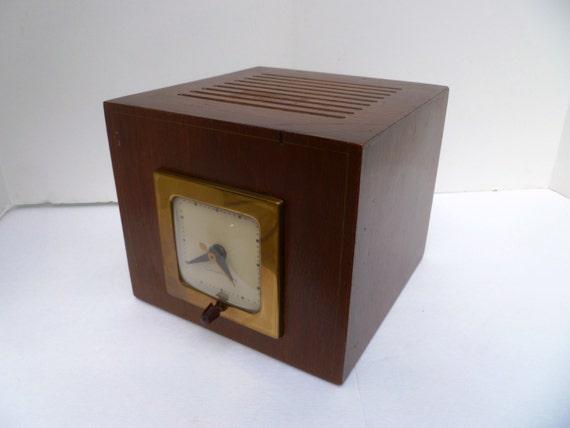 Mid Century Modern Electric Speaker Clock