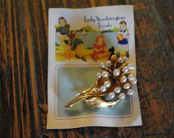 Pearl Cluster Flower Brooch