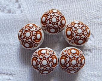 5  Brown & White Etched Puffed Coin Acrylic Beads  17mm