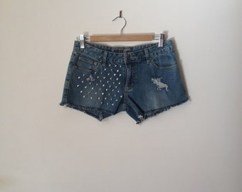 "31.4"" Studded Lee shorts"