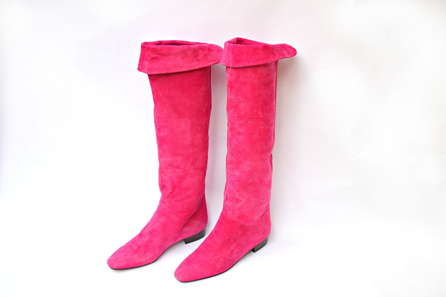 escada boots pink suede knee high boots pink suede