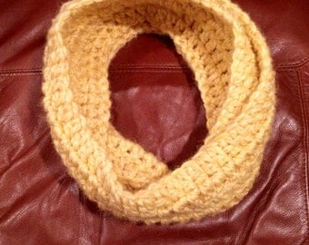 Handmade Crochet Alpaca Wool Infinity Scarf (5 colors available)