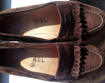 Vintage CHANEL brown suede loafers US Sz 6