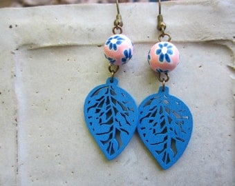 Blue wood leaf and flowered clay beads laser cut wood leaves