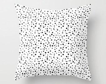 Black & White Polka Dots Pillow Cover, Polkadot Pattern Throw Pillow Case