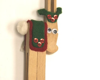 Reindeer Clothes Pin Christmas Magnet/Tree Ornament Must See!