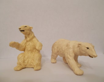 Britains Plastic Polar Bear Set of two animals 1970's