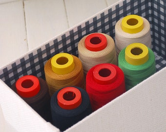 Polyester threads / Thick threads in multi color (~2000 yards)
