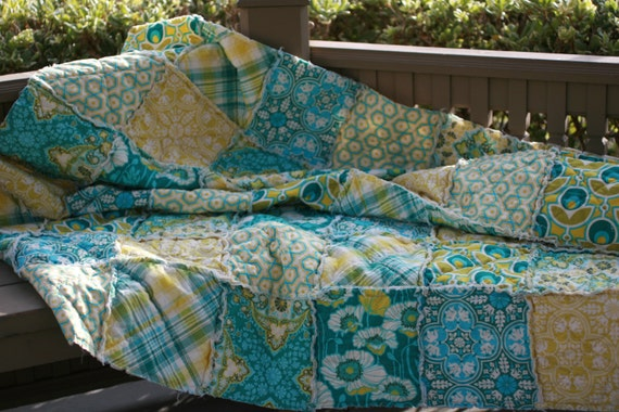 Rag Quilt Patterns For Twin Bed : Twin Size Quilt Rag Quilt Custom Bed by LittleSunshineQuilts