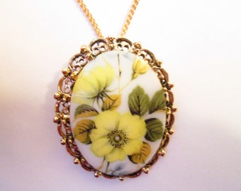 Soft Yellow Floral Cabochon Necklace/Brooch
