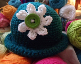 little  girls crochet hats made with acrylic yarn