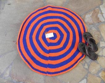 Crocheted yarn rug  **FREE U.S. SHIPPING**  (item 130919)