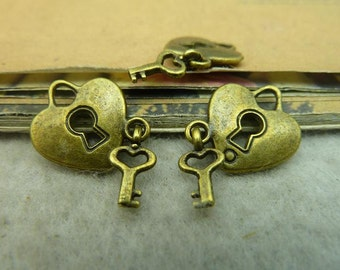 30pcs 14x15mm Antique Bronze Heart lock Key Charms Pendants AC3620
