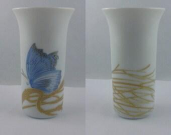ROSENTHAL studio-line Germany. SMALL porcelain vase >>Papillon<<. Design: Alain Le Foll. Porcelain trumpet vase. Good 8.5 cm. VINTAGE