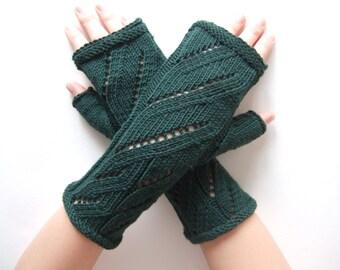 Knitted of 100 % MERINO wool. DEEP GREEN fingerless gloves, wrist warmers, fingerless mittens. Handmade.