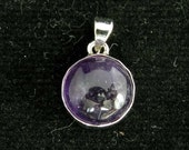 sterling silver gemstone pendant with a purple round shaped amethyst marked 925 (GP99)