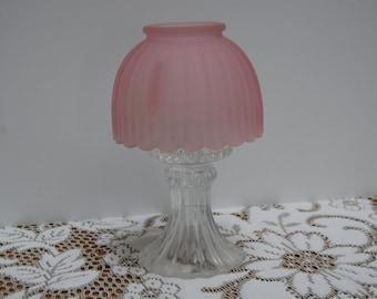 vintage table lamp pink crystal shade. Black Bedroom Furniture Sets. Home Design Ideas