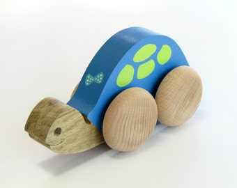 Pull Toy , Wooden Animal Toy  , Eco Friendly Toy On Wheels,  wooden Turtle, first birthday gift