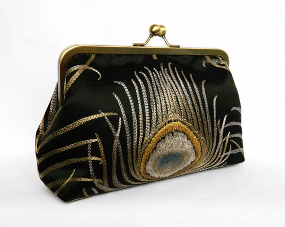 Shop bebe to find perfect fashion bags and purses for women. bebe's on-trend fashion handbags and totes can be worn with any outfit. Browse a variety of styles, including crossbody, backpacks and more, because a cute handbag from bebe is just as essential as your clothing. Free shipping over $!
