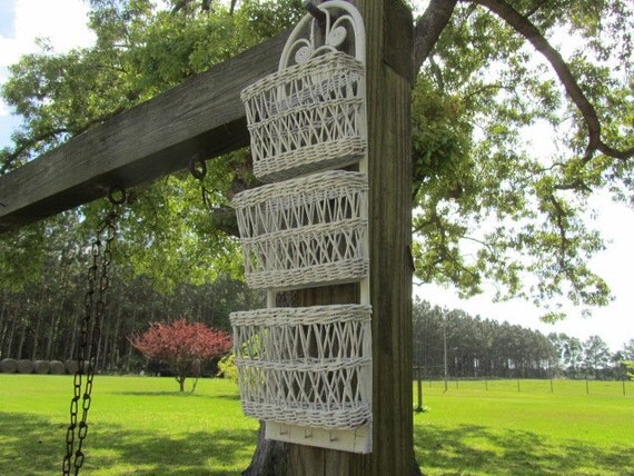 white wicker mail holderwall hanging baskets shabby chic. Black Bedroom Furniture Sets. Home Design Ideas