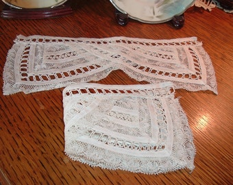 Vintage Ivory Lace Cuff Set Edwardian Style Great Condition Lovely Sewing