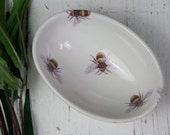 Bee Oval Bowl, Decal Small Ceramic Bowl, Bee Ring Dish, Hand Decorated Prep Bowl, Earthenware, Dip Bowl