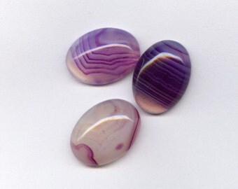 18x13mm Purple Banded Agate Oval Cabochons For One