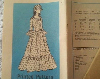 1976 Mail Order American Farmer Printed Dress Pattern #9437 New has not been used