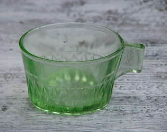 Green glass vintage teacup - Vaseline glass - Home decor - Made in USSR