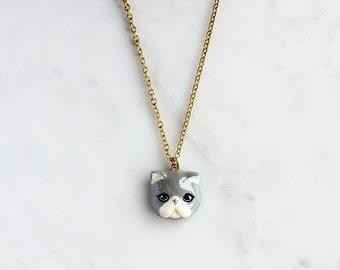 Jumpa Cat Necklace, Grey Persian cat