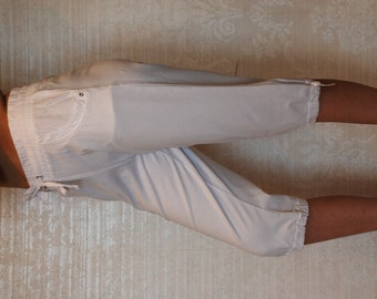 Vintage Woman Summer Pants / Pants below the knees / White 3/4 Pants / High Waisted Cotton Trousers/ Sz M