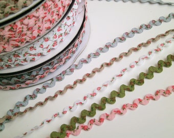 "1 m printed Rickrack  trim ""Roses"" 8 mm w Flowers"