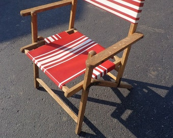 Vintage 1940s-50s era outdoor wooden lawn, patio chair in excellent shape