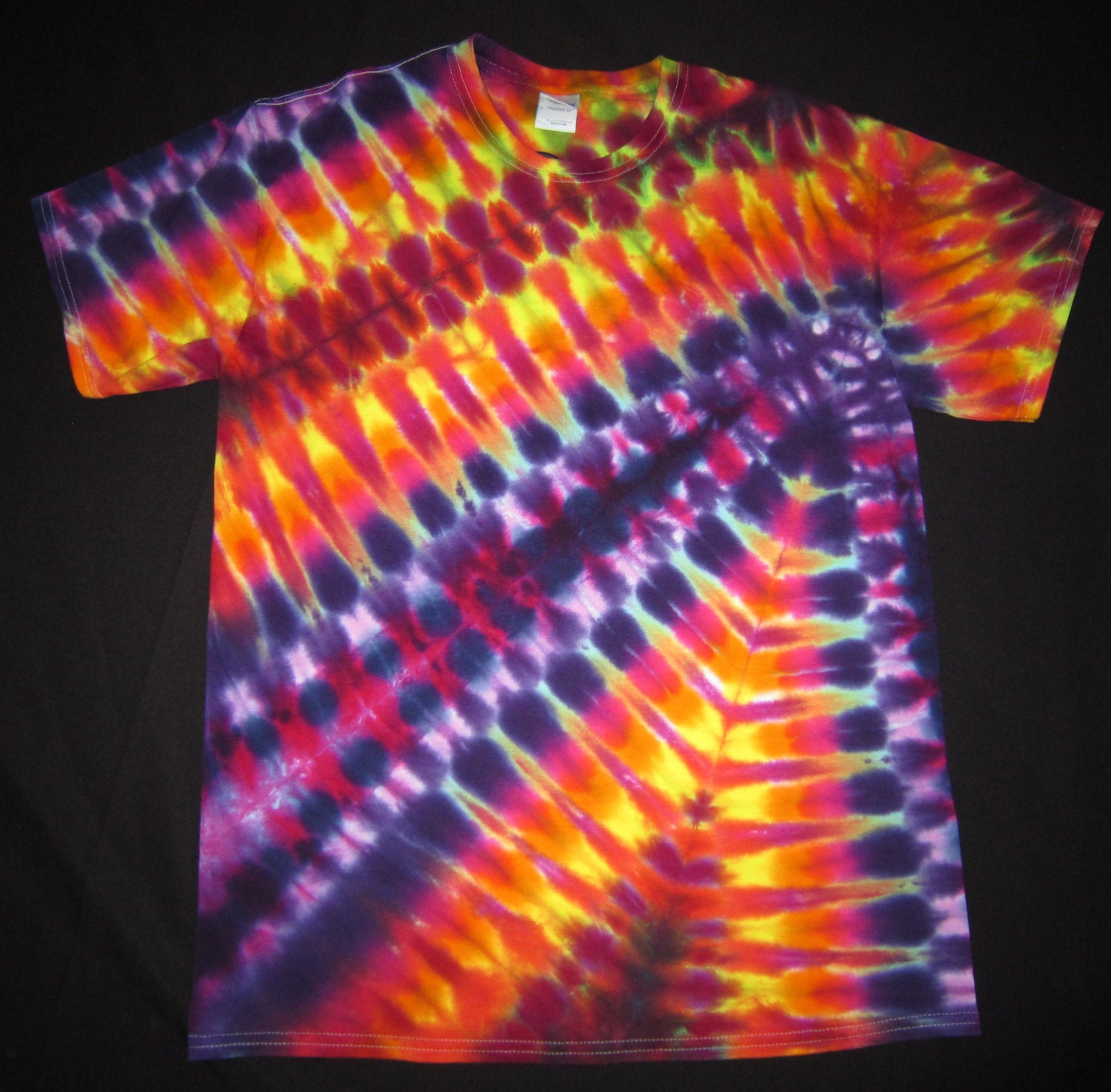 Psychedelic random pattern tie dye t shirt fit men 39 s size for Tie dye t shirt patterns