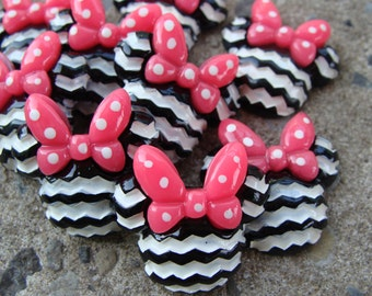 2 black and pink Chevron Minnie Mouse Resin heads Hair Bows Resin Hair Bow Center