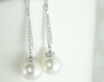 long pearl earrings,bridal pearl drop earrings,pearl drop earring,white pearl earrings,statement pearl earrings,vintage style pearl earrings
