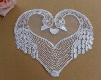Off white Lace Applique, Swan Applique, Love Heart Applique, Off white Swan Lace Applique 1pc