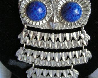 Vintage Silver Tone Goldette Owl Articulated Pendant Necklace with Blue Eyes Necklace