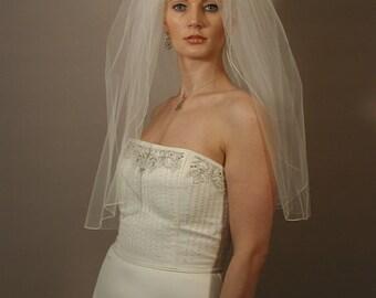 "Wedding veil. Bridal veil with pencil edging. 30"" elbow length wedding veil soft, simple and elegant."
