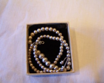 "12"" children's faux pearls in Jules Perrier box"