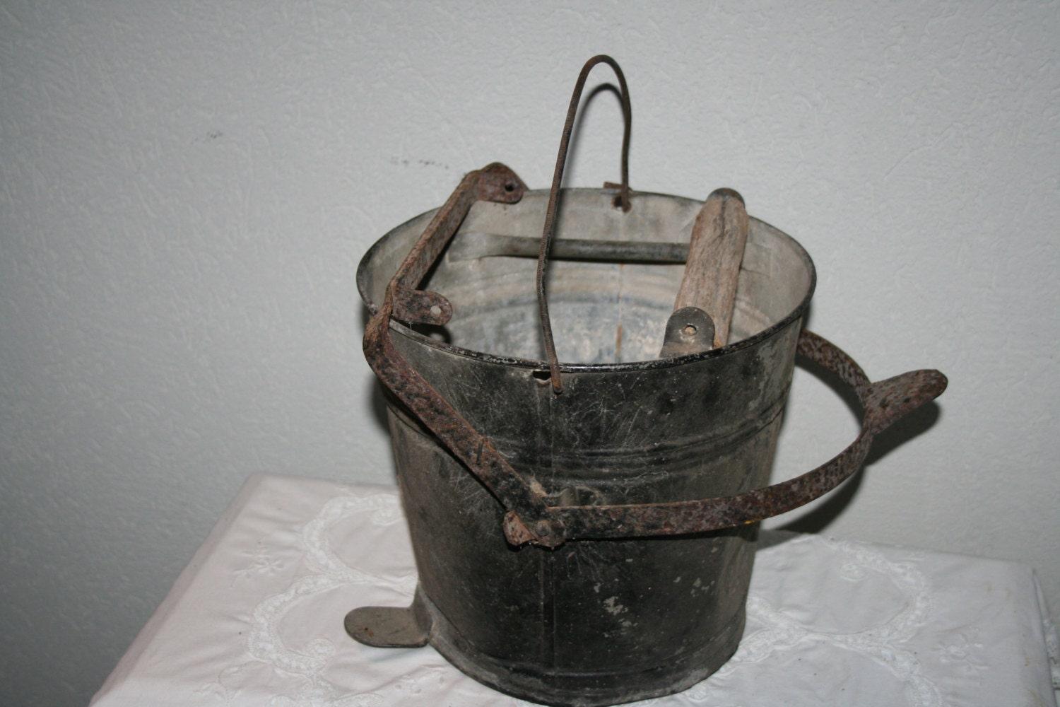 Antique vintagegalvanized metal mop bucket wash tub by for Old metal wash tub