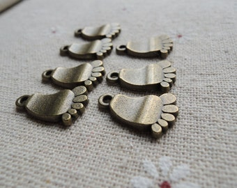 25pcs 18x11mm Antique Bronze foot charm (A327)