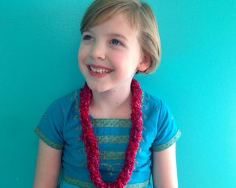 Shades of Pink and Red Medium Yarn Necklace