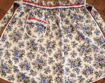 Fab Vintage Kitschy Floral Apron With Red, White And Blue Trim And Pocket