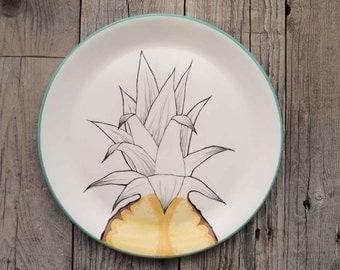 Pineapple dish, source tropical fruit