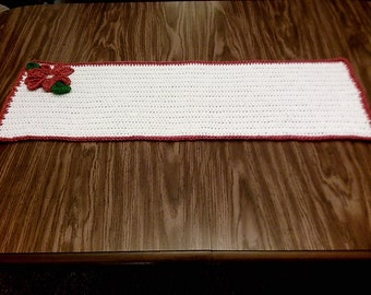POINSETTA TABLE RUNNER