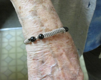 "SALE...Sterling Silver wire and onyx beads 7.5"" Bracelet. on sale."