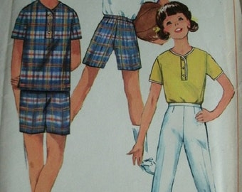 Girls and Chubbies Shirt, Bell-Bottom Pants or Shorts Size 7 Breast 25 Inch Vintage 1966 Simplicity Pattern 6522 UNCUT Pattern - Easy