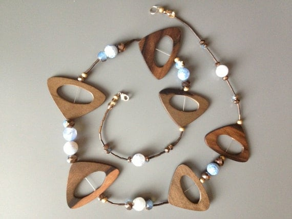 Necklase Simplistic Design found on Etsy at Little Gems by Luisa