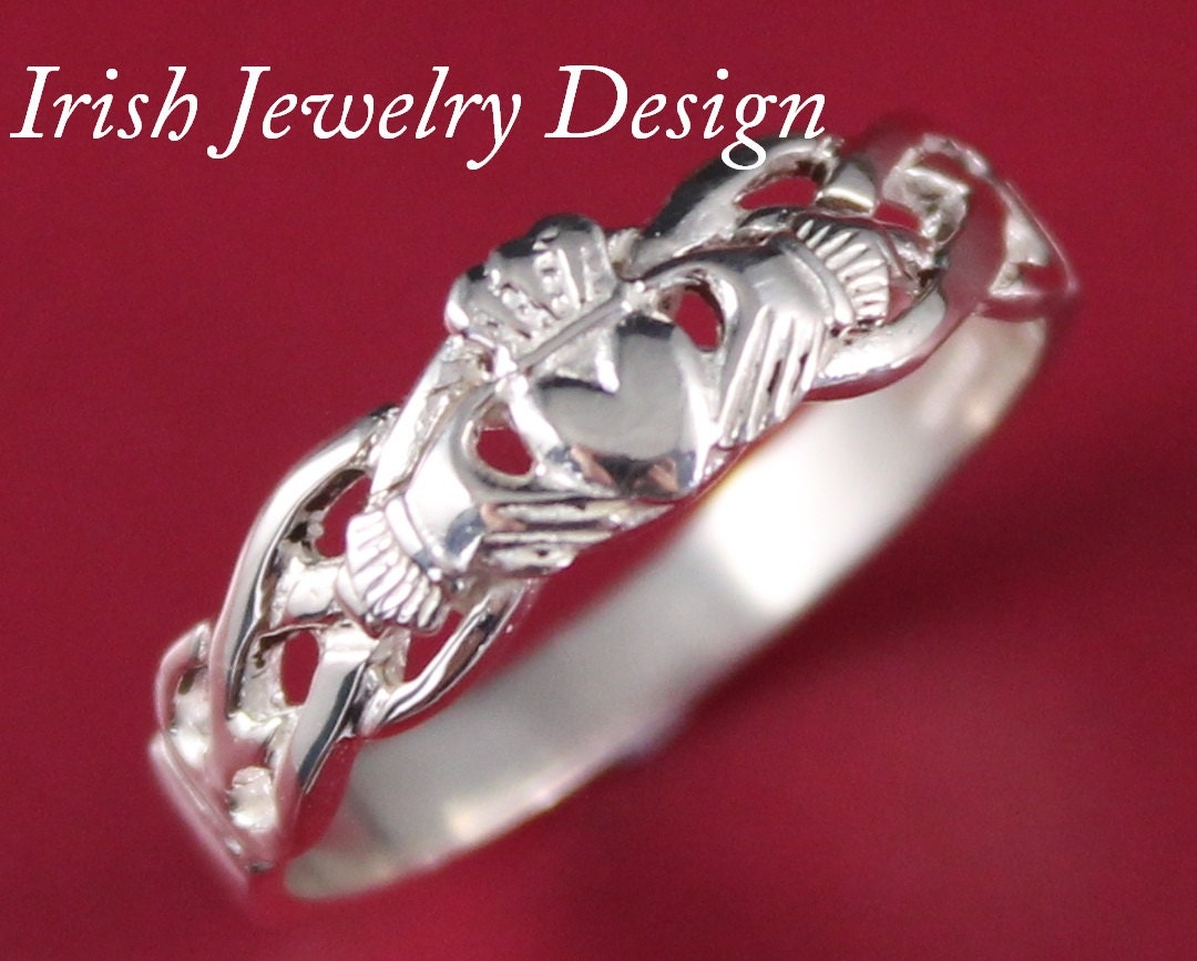 claddagh ring ladies silver claddagh ring on celtic rope. Black Bedroom Furniture Sets. Home Design Ideas